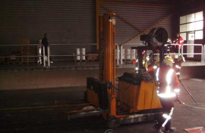 Staplerbrand in Chemielager