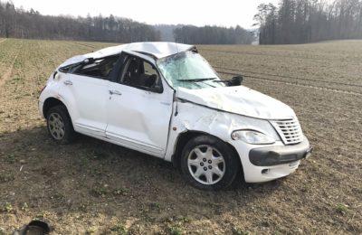 93. Verkehrsunfall, Person befreit, zwischen Gennersbrunn und Dörflingen, Gennersbrunnerstrasse