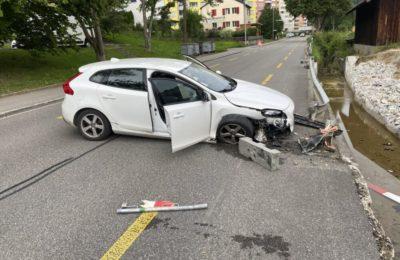 261. Verkehrsunfall mit auslaufenden Betriebsflüssigkeiten