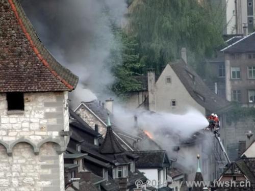 grossbrand am fruehen morgen in der altstadt 23 20150214 1717561921