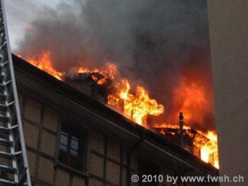 grossbrand am fruehen morgen in der altstadt 33 20150214 1204742751