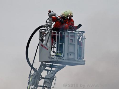 grossbrand am fruehen morgen in der altstadt 41 20150214 1997451276